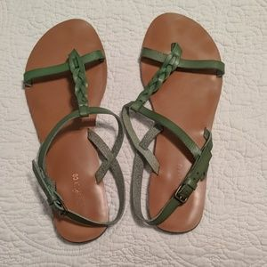 Green leather thong sandals